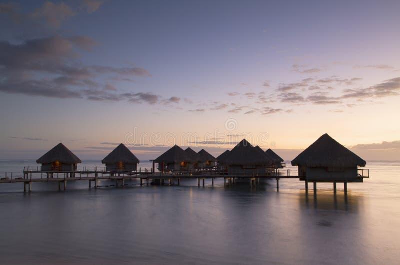 Overwater bungalowy przy Le Meridien Tahiti hotelem, Pape'ete, Tahiti, Francuski Polynesia obraz royalty free