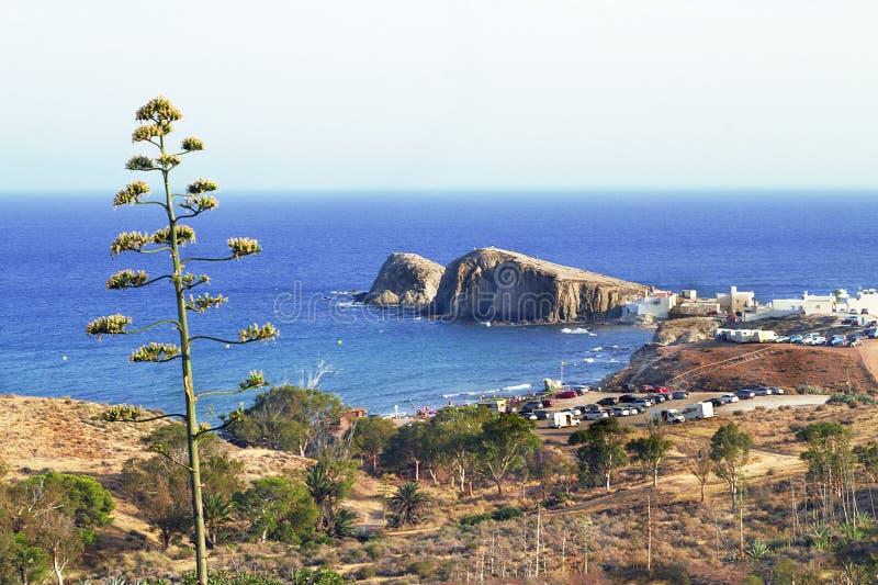 Overweldigend beeld van Isleta del Moro in Almeria, Spanje stock fotografie