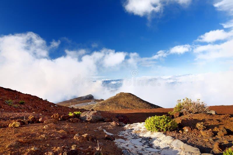 Overweldigend die landschap van Haleakala-vulkaangebied uit de top, Maui, Hawaï wordt genomen royalty-vrije stock foto