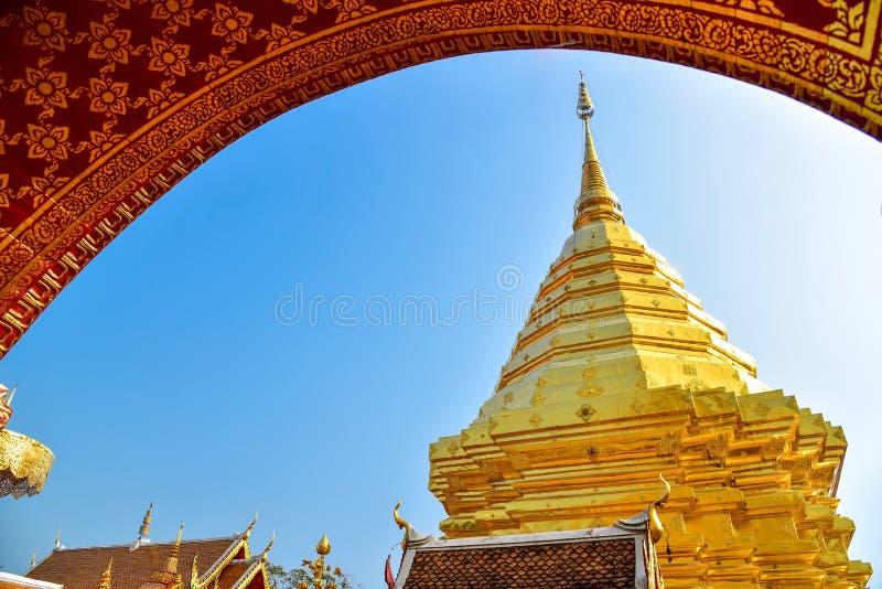 Overweldigende Architectuur van Wat Phra That Doi Suthep stock foto