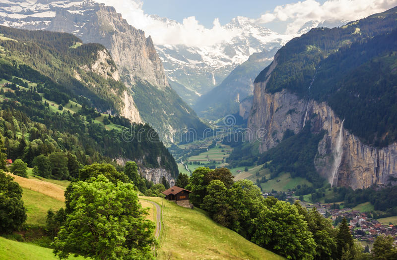 Overweldigende Lauterbrunnen-vallei landelijke mening, de mening van het vogeloog van Murren, Lauterbrunnen, Bernese Oberland, Zw royalty-vrije stock afbeeldingen