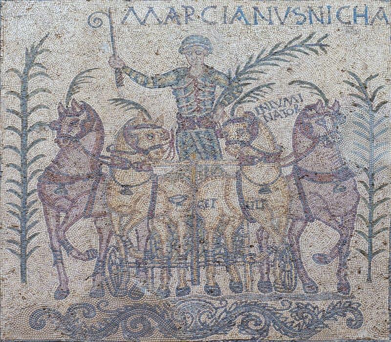 Download Overwinning Van Quadriga Wagenmenner Genoemde Marcinaus, Merida, Spanje Redactionele Fotografie - Afbeelding bestaande uit augusta, historisch: 107708982