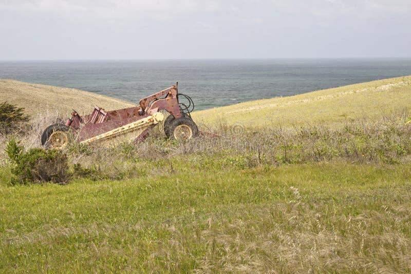 Download Overwoekerde Landbouwbedrijf & Apparatuur Stock Foto - Afbeelding bestaande uit cultiveer, landbouwers: 10780948