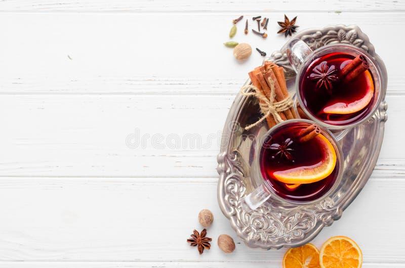 Overwogen wijn met sinaasappel royalty-vrije stock foto