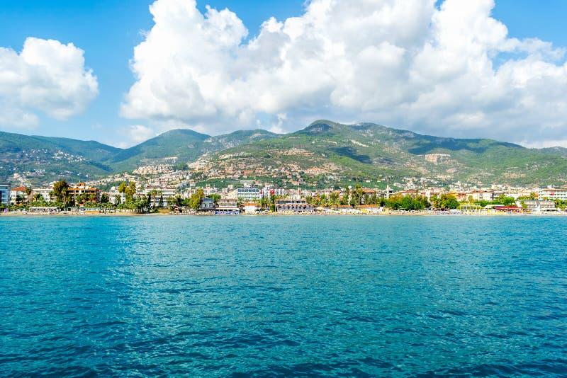 Overzees en mooie cityscape in Alanya, Turkije royalty-vrije stock foto's