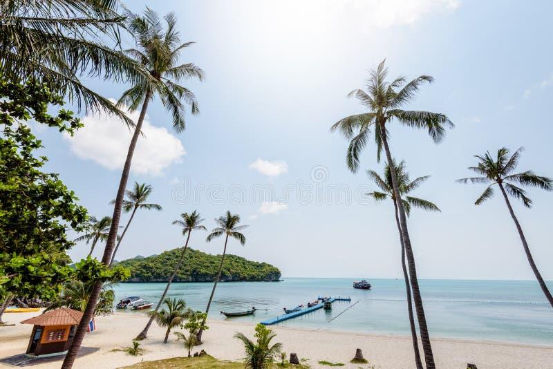Overzees en strand van de Overlapping van Ko Wua Ta stock foto's
