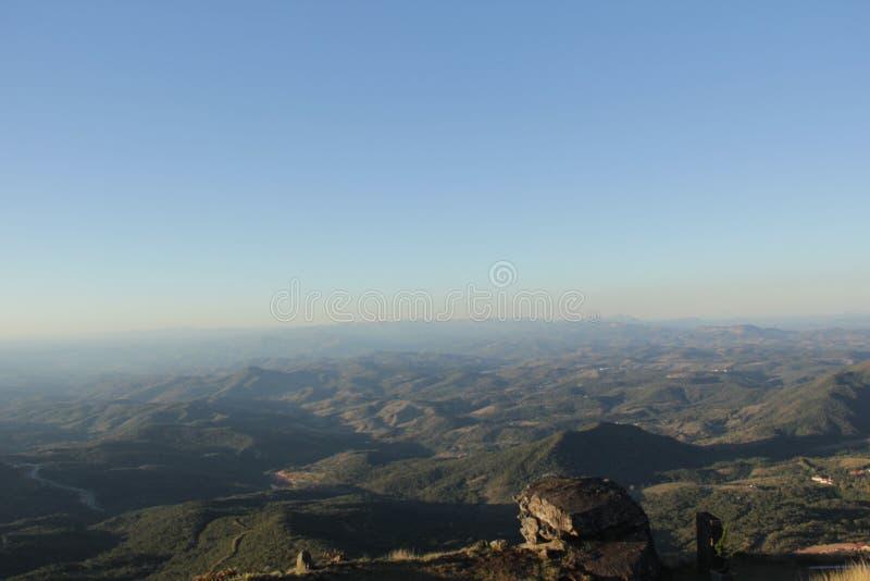 Overzees van bergen royalty-vrije stock fotografie