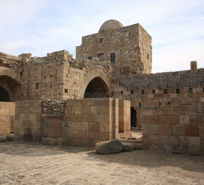 Overzees van de kruisvaarder Kasteel, sidon-Libanon stock foto's