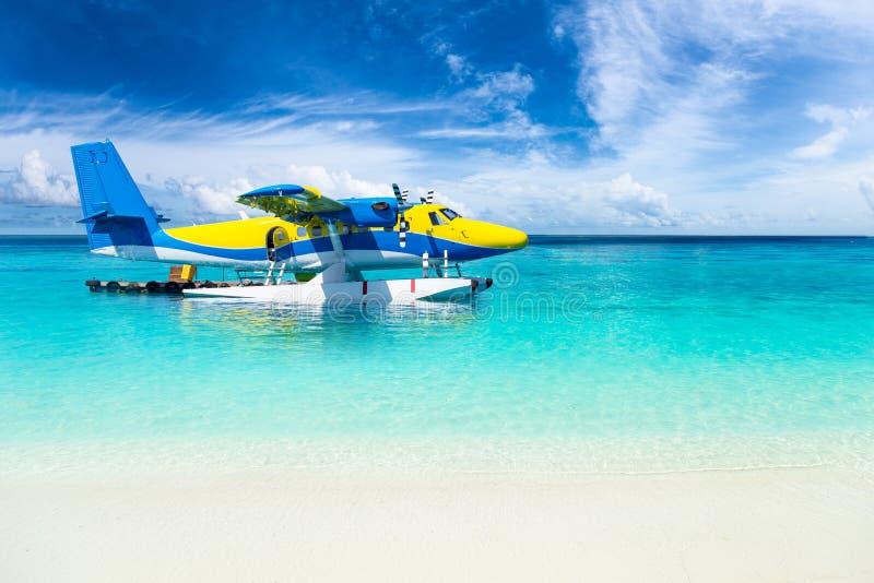 Overzees vliegtuig in de Indische Oceaan stock afbeeldingen