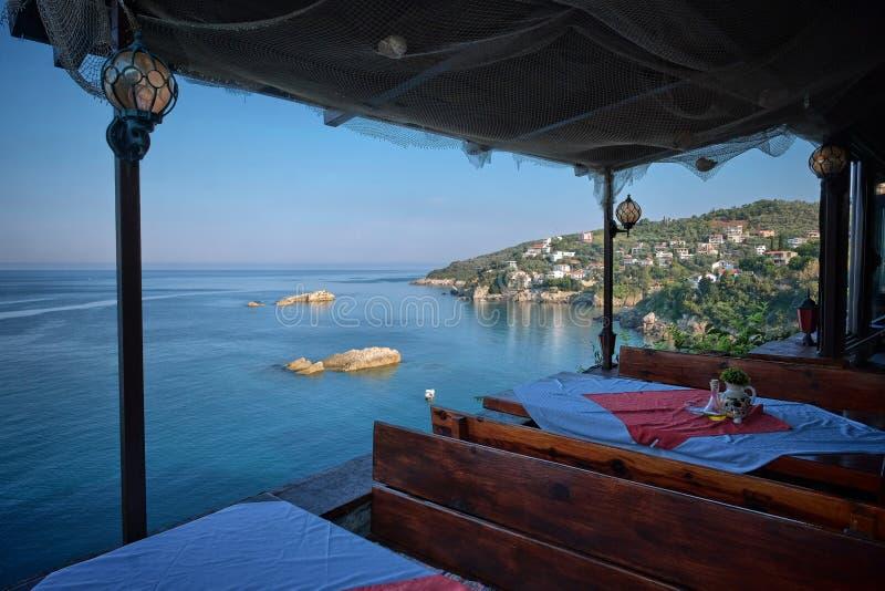 Overzees Weergeven van Restaurant, Montenegro royalty-vrije stock foto