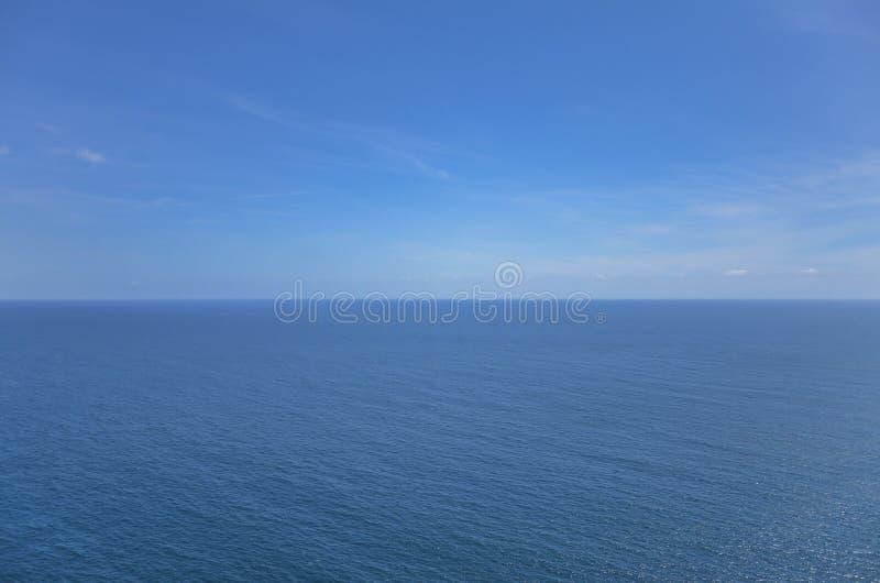 Overzeese blauwe horizon stock foto