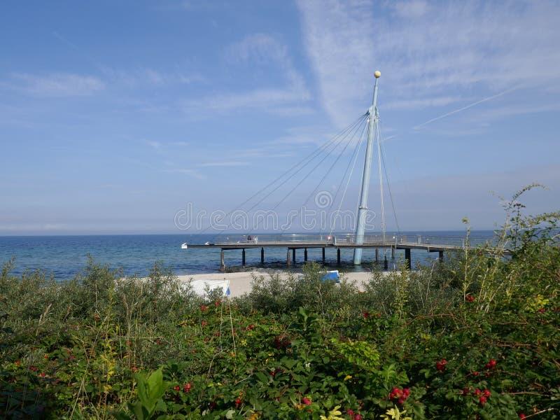 Overzeese brug ` Hohwachter Flunder ` in Hohwacht, Oostzee, Sleeswijk-Holstein royalty-vrije stock foto