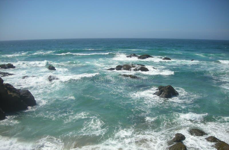Overzeese golven stock afbeeldingen