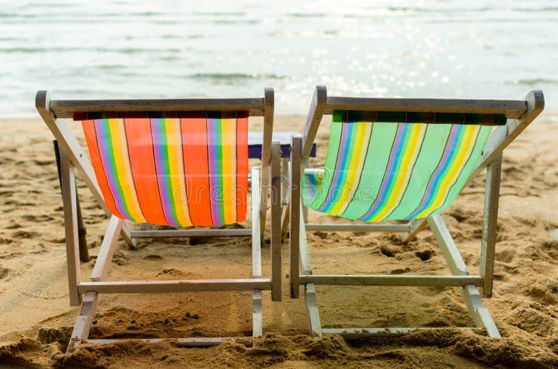 Overzeese ligstoel stock foto
