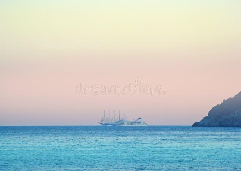 Overzeese mening Letojanni Sicilia Italië stock foto