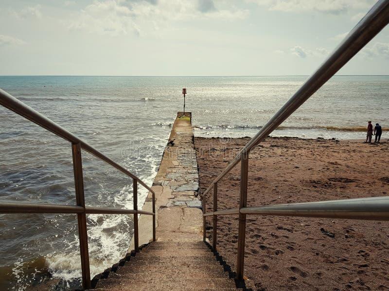 Overzeese voorzijde in Dawlish, het Verenigd Koninkrijk stock foto's