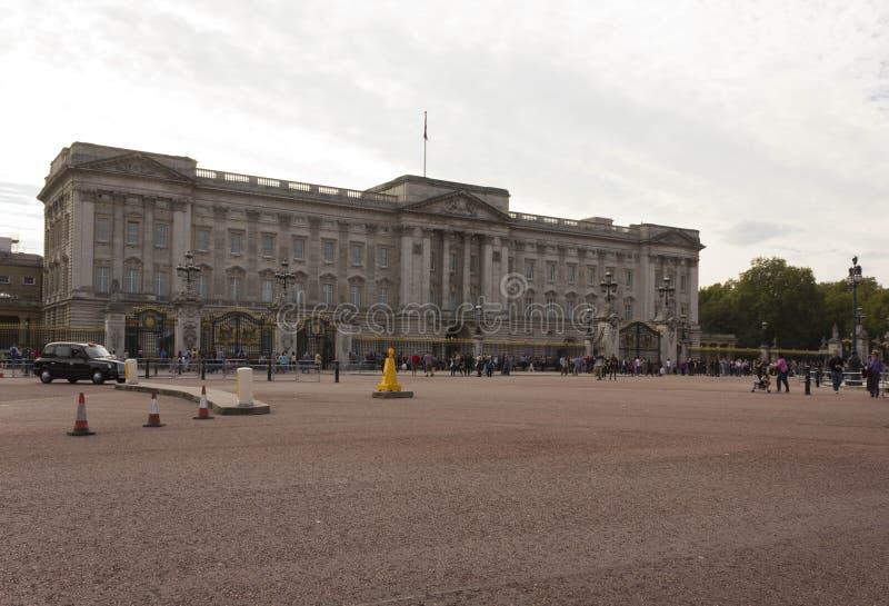 Overzicht van Buckingham Palacevierkant in Londen stock fotografie
