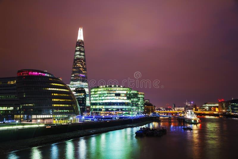 Overzicht van Londen met de Brug van Scherflonden royalty-vrije stock fotografie