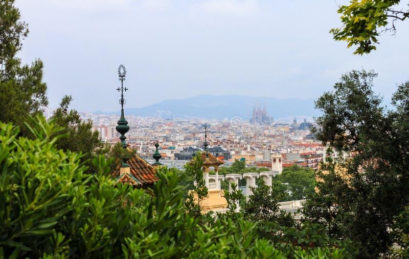 Overzie van de Kathedraal van Barcelona en Gaudi- royalty-vrije stock fotografie