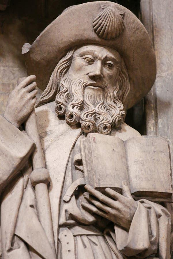 Oviedo domkyrka - staty av Saint James det större arkivbild