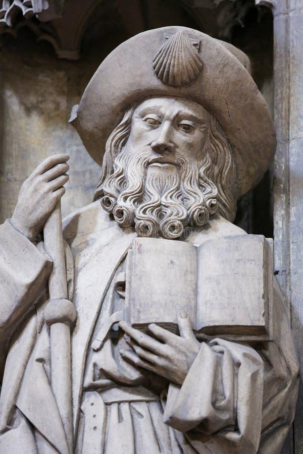 Oviedo domkyrka - staty av Saint James det större fotografering för bildbyråer