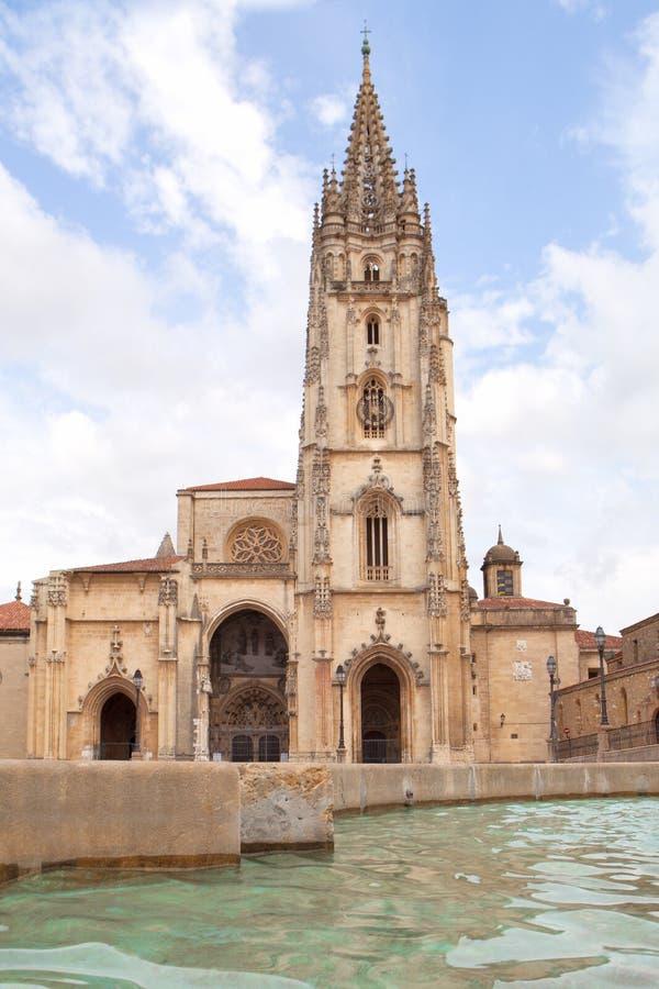 Oviedo Kathedraal stock afbeeldingen