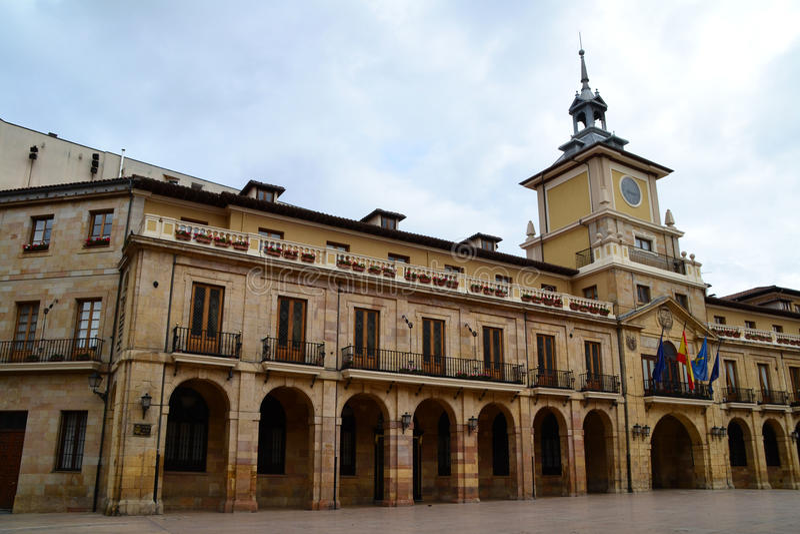 Oviedo stadhuis stock foto