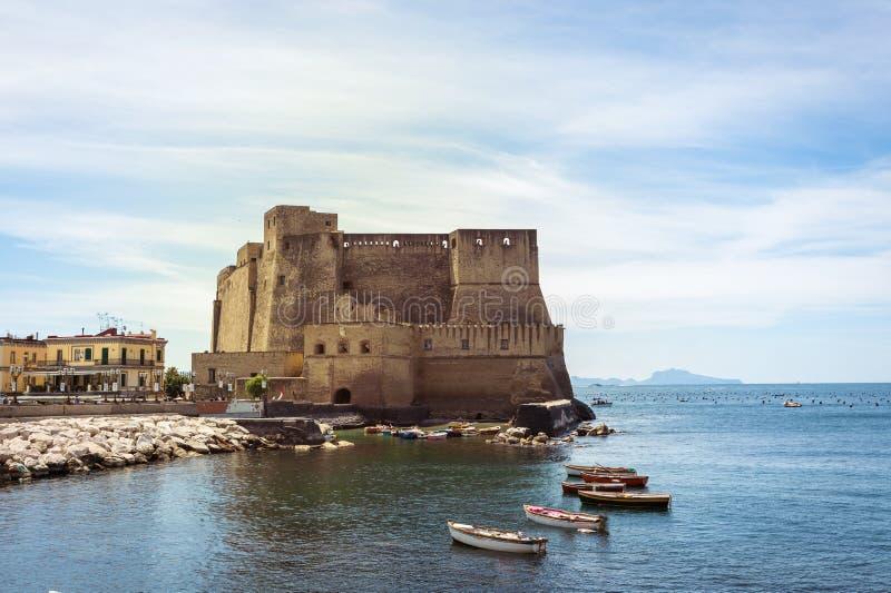 ` Ovo, Naples de vallon de Castel photographie stock libre de droits