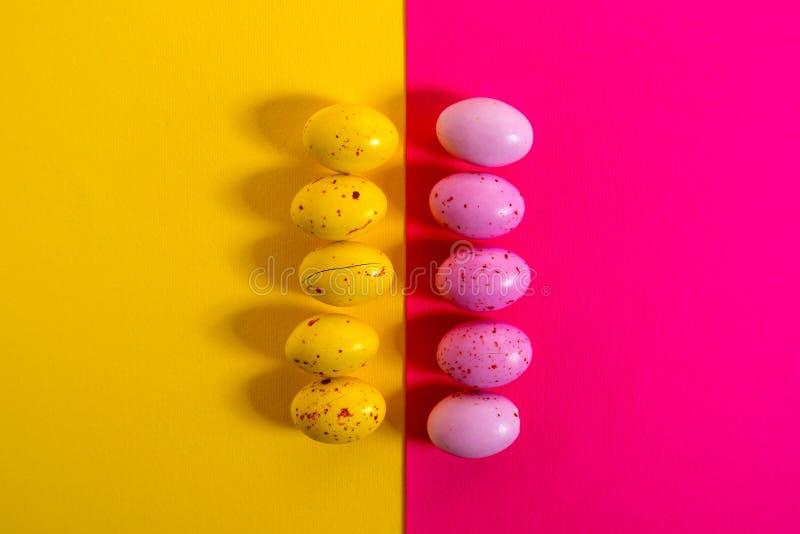 Ovos coloridos do ?ster imagem de stock