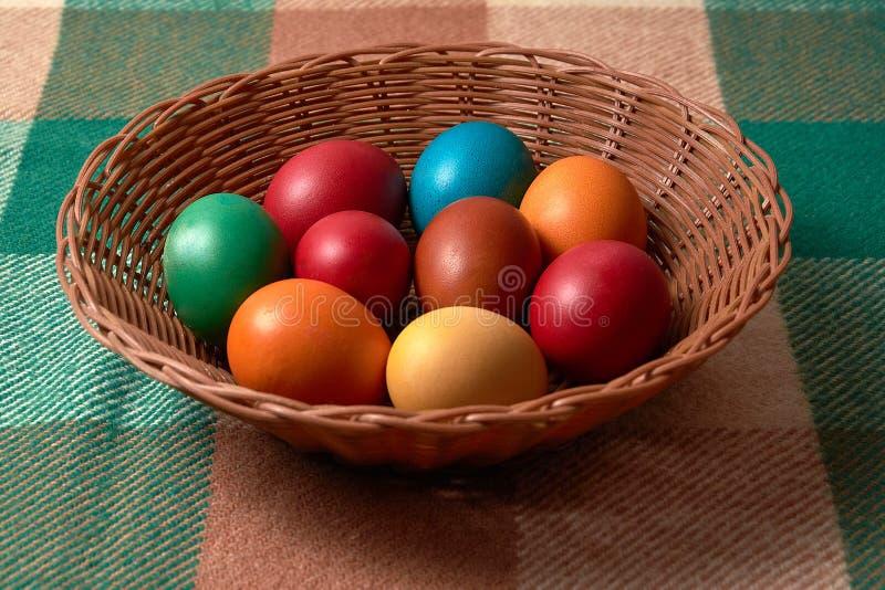 Ovos coloridos Páscoa no fundo do vintage fotografia de stock royalty free