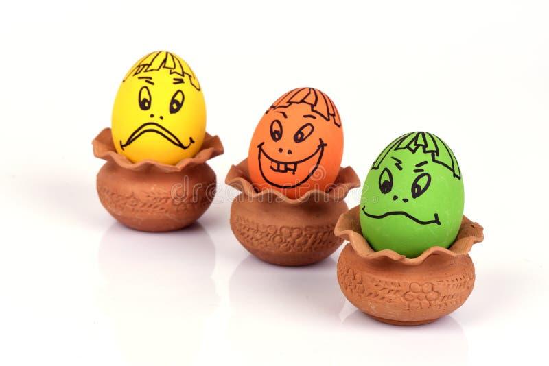 Ovos com cara dos desenhos animados foto de stock royalty free