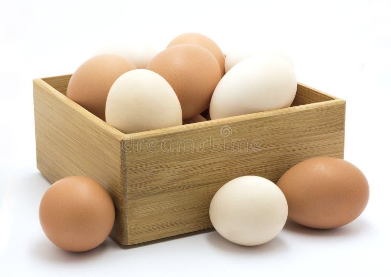 Ovos da galinha na caixa de madeira foto de stock royalty free
