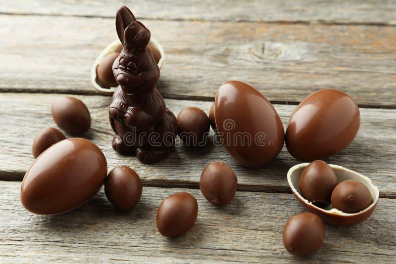 Ovos da páscoa do chocolate fotos de stock royalty free