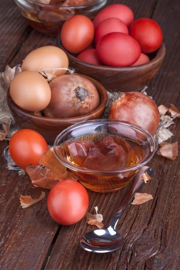 Ovos da pintura para a Páscoa fotos de stock royalty free