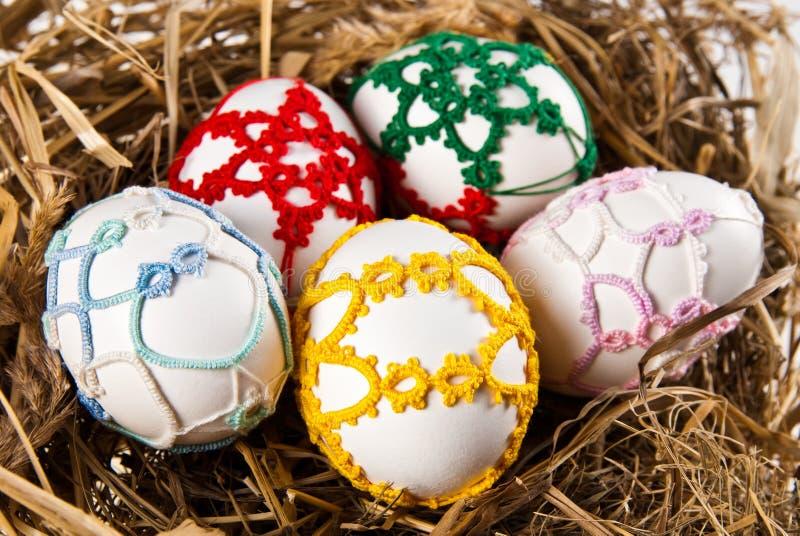 Ovos de Easter no ninho imagem de stock royalty free
