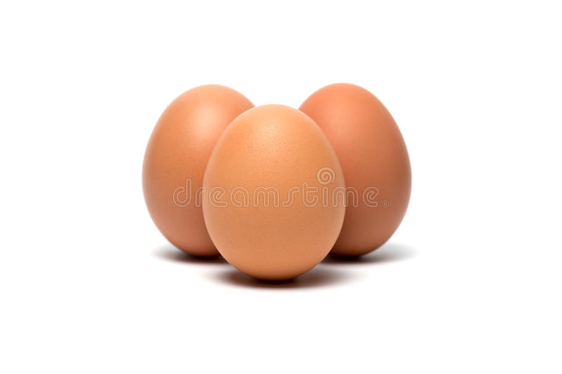 Ovos em um fundo branco fotos de stock
