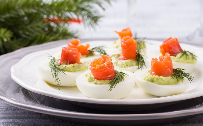 Ovos enchidos com salmões fotos de stock royalty free