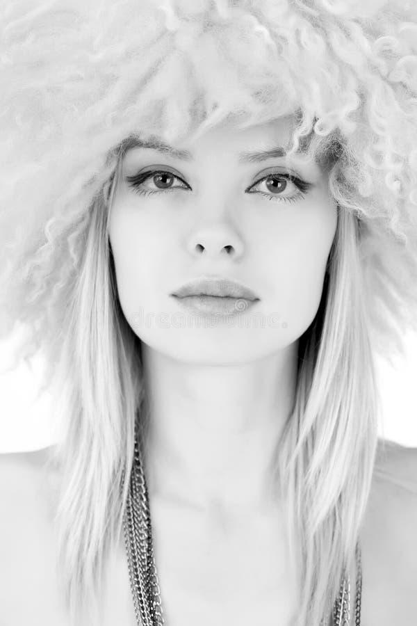 owłosiony dziewczyny kapeluszu portret zdjęcia royalty free