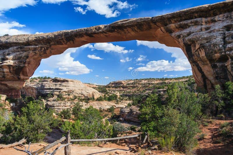 Owachomobrug in Natuurlijk Bruggen Nationaal Monument Utah de V.S. stock afbeelding
