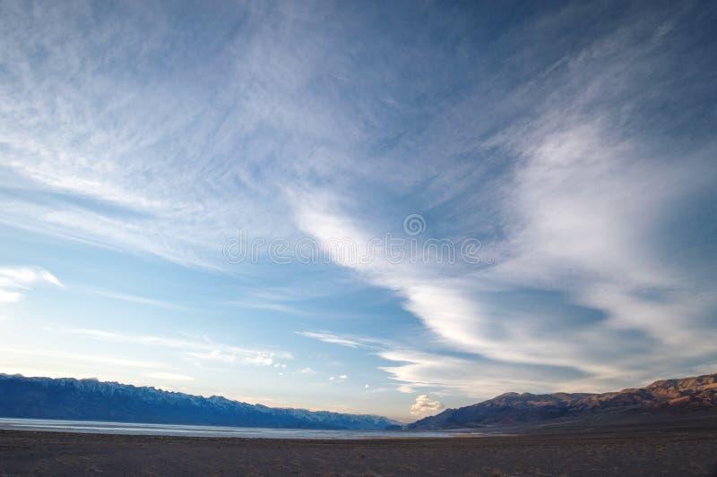 Owens jezioro przy zmierzchem zdjęcie stock
