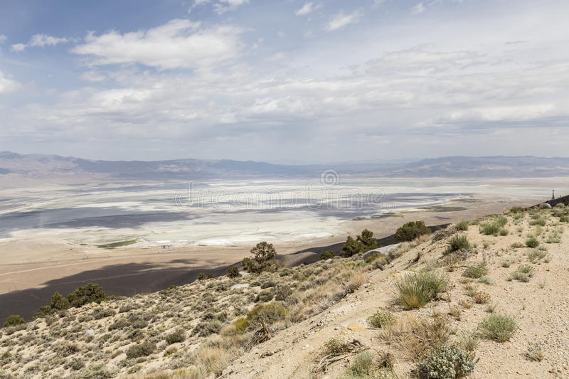 Owens Suchy jezioro blisko Samotnego Sosnowego Kalifornia fotografia royalty free
