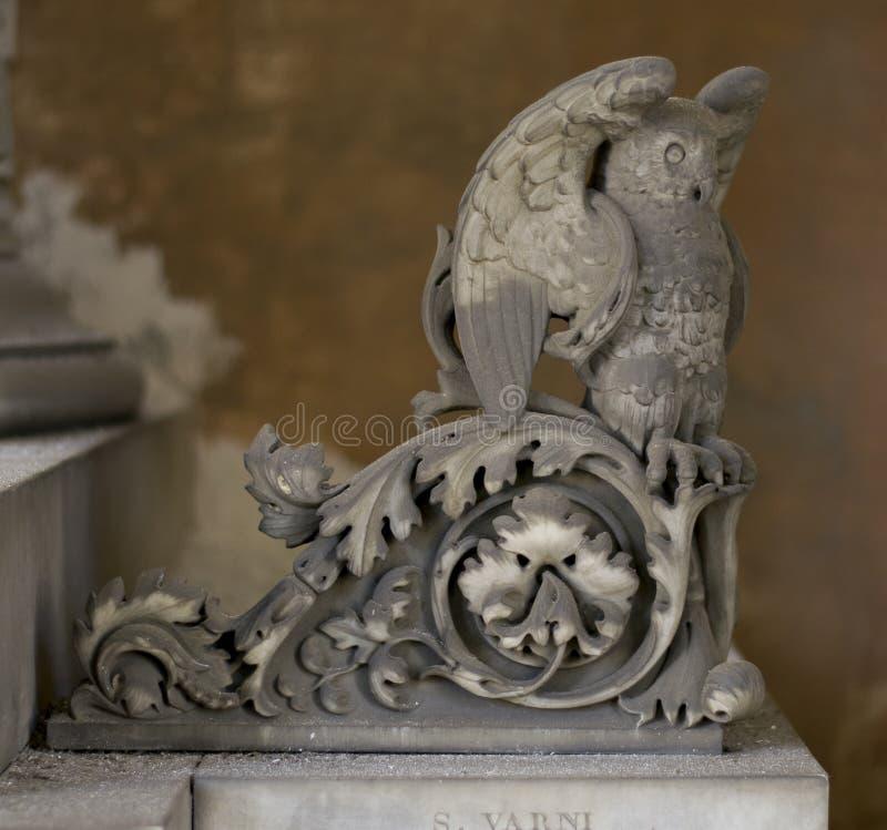Owl Statue (abstraktes Elementmuster) stockbild