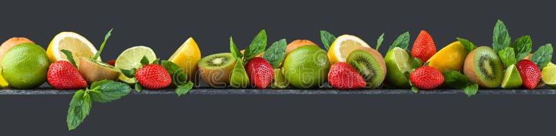Owoc i miętówka obrazy stock