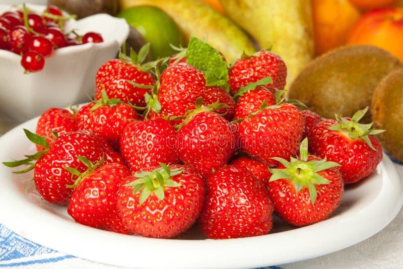 owoc inne truskawki zdjęcia stock