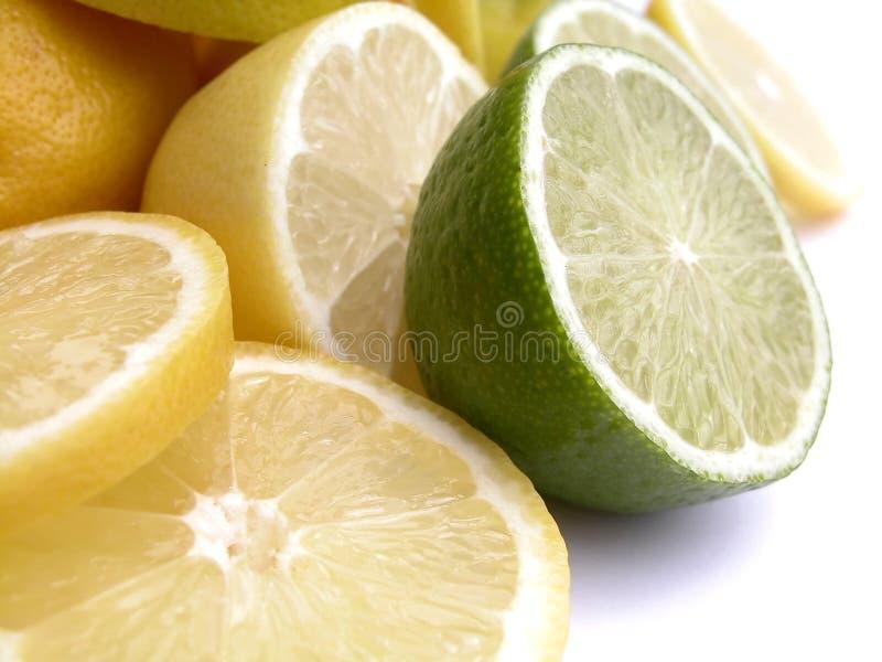 Download Owoce cytrusowe obraz stock. Obraz złożonej z odosobniony - 130035