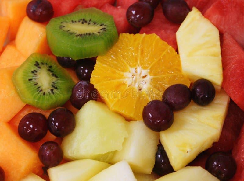 owoce mieszane sałatkę obraz royalty free