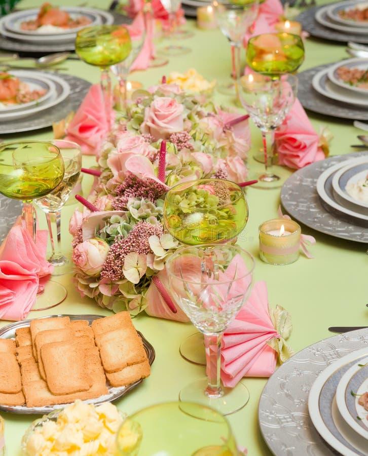 Owoce morza na świątecznym obiadowym stole zdjęcia royalty free