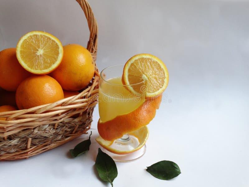 Owoce pomarańczowe, biały tło, południe obrazy stock