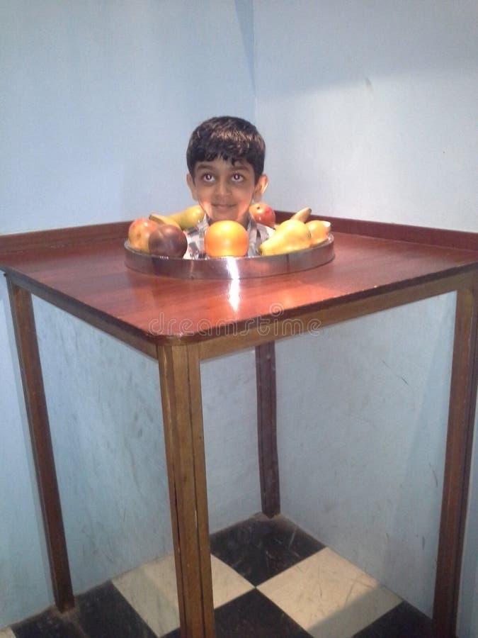 Owocowa chłopiec zdjęcie royalty free