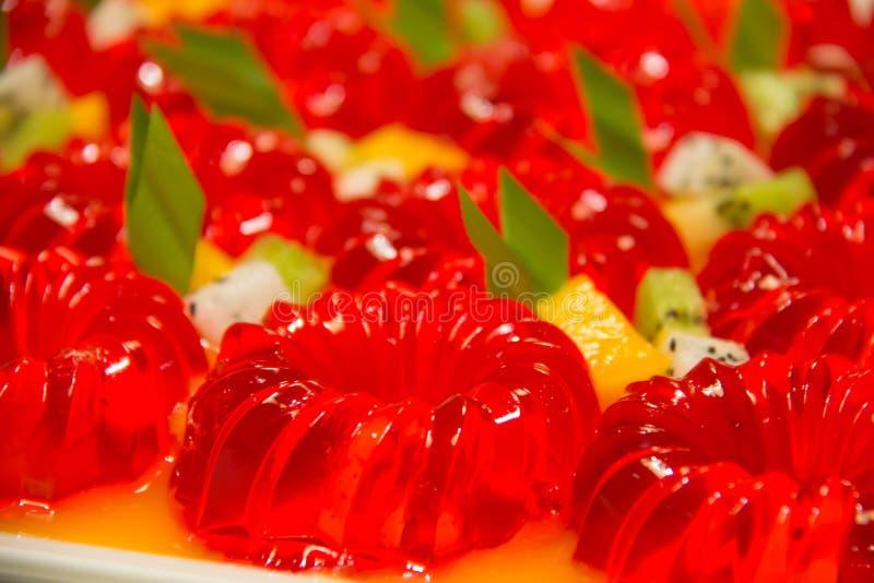 Owocowa galareta z truskawką zdjęcia stock